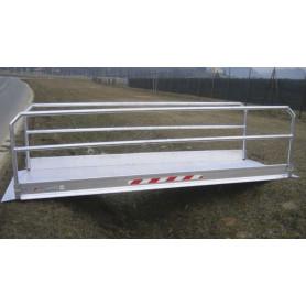Passerelle en aluminium avec rambardes repliables